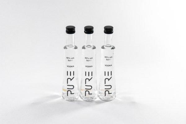 PURE Organic Vodka Miniature 8